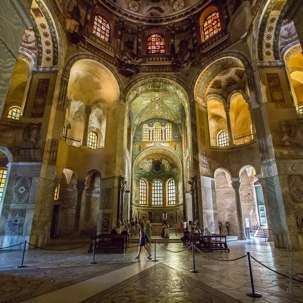 vue de l'intérieur de San Vitale