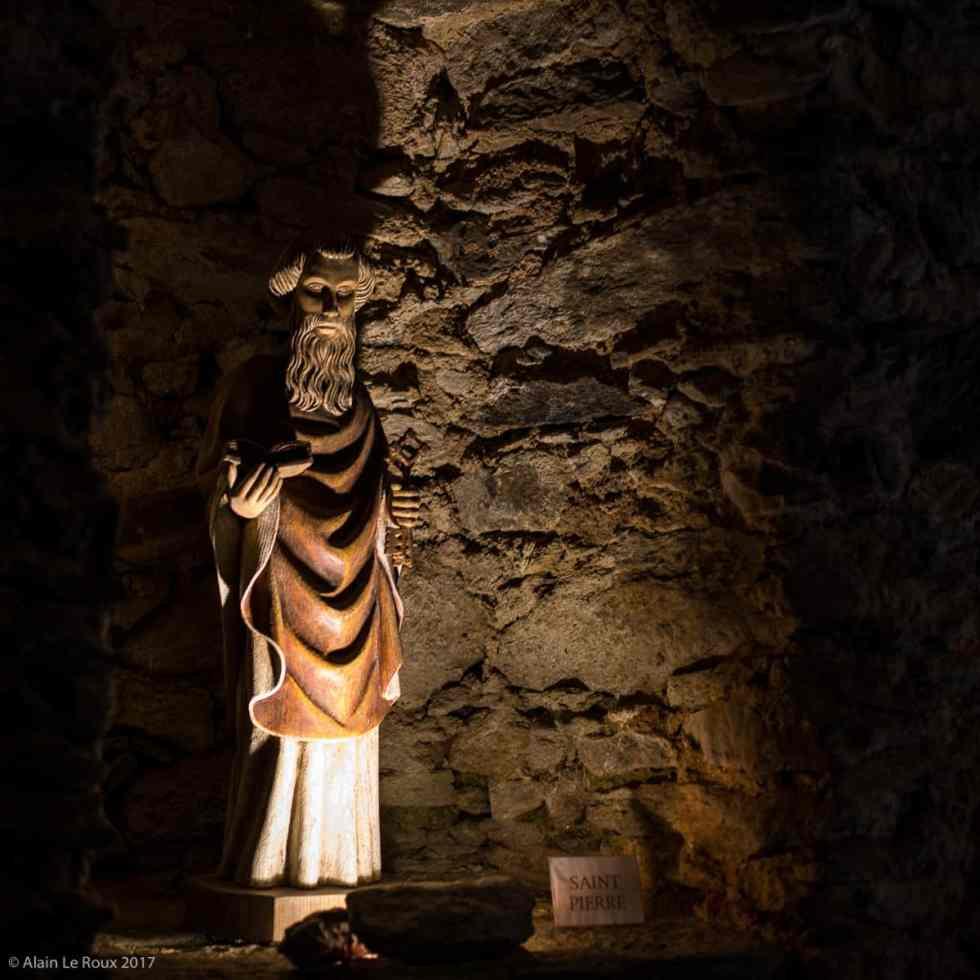 Statue en bois de Saint-Pierre