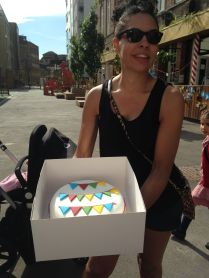 Gues the weight of the cake - beautiful cake Laura!