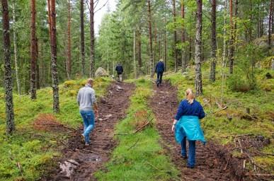 På väg till en Kolbotten nära torpet Brohagen