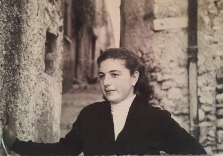 M.T. De Gregori, Scandriglia, 1957. Acquisizione digitale da stampa alla gelatina ai sali d'argento, 7 x 10,5 cm.