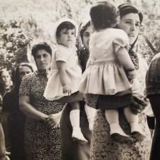 Processione, Scandriglia, 1969, particolare. L'immagine è elaborata in digitale con Instagram. L'originale è una stampa alla gelatina ai sali d'argento, 10x15 cm.