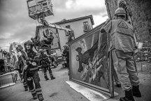 Amatrice, 09-09-2016. Il recupero dei quadri dalla chiesa del paese alla presenza di Don Savino.