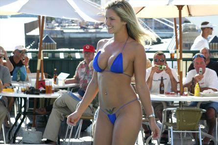 1280px-blue_bikini-credit-oscar-one