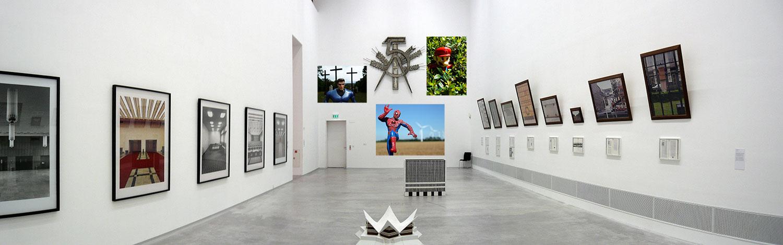 Les figurines de Didier Gualeni dans une exposition collective à Berlin