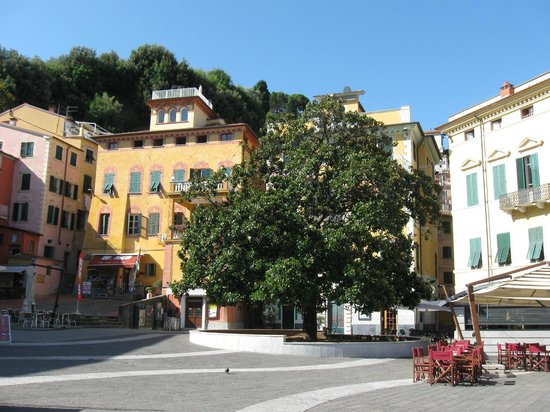 Piazza Mottino Lerici