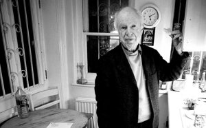 peter-brook-at-home-in-19-004