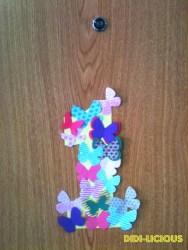 Така посрещаме гостите си на нашето цветно-пеперудено парти