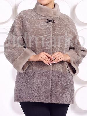 Velkoformátový kabát z Astragan