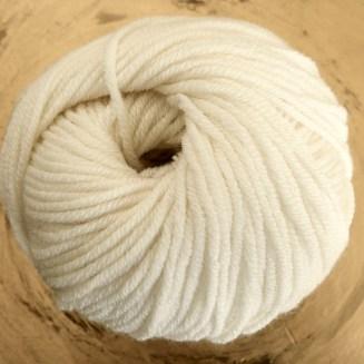 © Die Maschen zum Glück | Ursprung Naturweiß, tasmanische Merino extrafein von Atelier Zitron