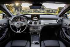 Mercedes-Benz GLA 220d 4MATIC, canyonbeige, Innenausstattung: Leder Schwarz // Mercedes-Benz GLA 220d 4MATIC, canyon beige, Interior: leather black Kraftstoffverbrauch kombiniert: 4,8 l/100 km, CO2-Emissionen kombiniert: 127 g/km // Fuel consumption combined: 4.8 l/100 km; Combined CO2 emissions: 127 g/km
