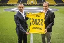 Erfolgs-Ehe: Opel-Deutschlandchef Jürgen Keller (links) und BVB-Geschäftsführer Hans-Joachim Watzke besiegeln ihre Partnerschaft bis zum Jahr 2022. © Opel
