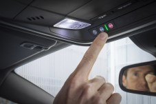 """Opel OnStar: The personal connectivity and service assistant comes as standard equipment on the new Opel Insignia with """"Innovation"""" trim."""