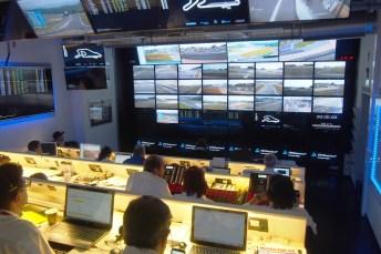 Alles im Blick: Die Stewards und Rennsportkommissare der FIA haben in der Zentrale jeden Winkel der Strecke unter Beobachtung. © Truckrace
