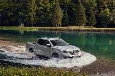 Keine Angst vor tiefen Pfützen: Der Alaskan ist ein robuster Begleiter für alle Fälle.© Renault