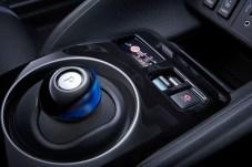 Schalthebel adé: Im Leaf nutzt der Fahrer stattdessen einen Drehknopf auf dem Mitteltunnel. © Nissan