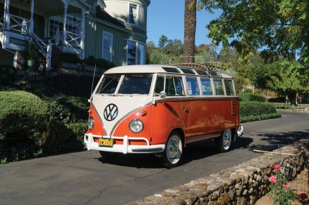 Der VW Bus Deluxe (1960) für 207 200 Dollar (176 100 Euro).Foto: Auto-Medienportal.Net/Sotheby's/David Bush