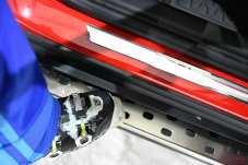 Massive Trittleisten erleichtern den Einstieg und die Beladung der Dachbox. Foto: Opel