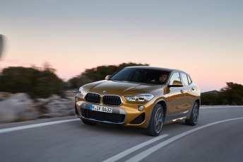 Mit dem BMW X2 rollt ab März die Coupé-Version des X1 ins Autohaus. Foto: BMW/Fabian Kirchbauer