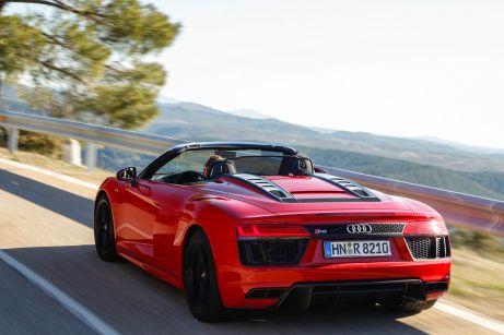 Ziemlich offen für besondere Fahreindrücke: der Audi R8 RWS Spyder mit reinem Heckantrieb. © Audi