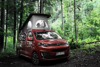 Der Citroen Pössl Campster ist ein einfach zu bewegendes und doch umfangreich ausgestattetes Kompakt-Wohnmobil mit bis zu sieben Sitz- und bis zu vier Schlafplätzen. © Citroen