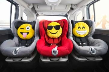 Alle drei Sitze in der zweiten Reihe sind mit Isofix ausgestattet und erlauben es, dass drei Kindersitze nebeneinander montiert werden können. Foto: Opel