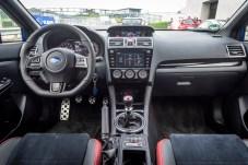 Auch im Innenraum kommt Rennfahrer-Feeling auf. © Subaru