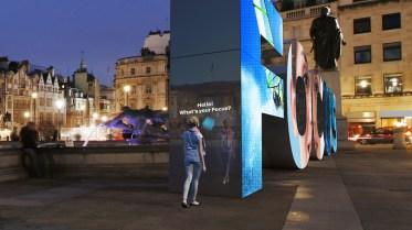 Mit diesem Buchstaben-Kunstwerk wirbt Ford in vier europäischen Städten für den neuen Focus. © Ford