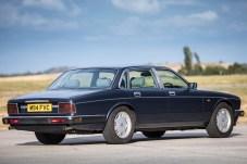 Mit dem XJ40 hält allerhand Elektronik Einzug in die britische Luxuslimousine. © Jaguar