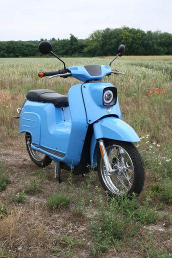 Sie dürfte das heute noch bekannteste Zweirad der DDR sein: die Simson Schwalbe. Foto: Auto-Medienportal.Net