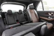 Mit dritter Sitzreihe: Durch den um 80 Millimeter gewachsenen Radstand gibt es vor allem im Fond mehr Platz als beim alten GLE. © Daimler