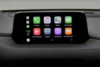 Mit dem Nachrüstsatz ist die Nutzung von Apple CarPlay (Foto) und Android Auto in Autos der Marke Mazda möglich. © Mazda