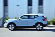Zu Preisen ab 32.050 Euro fährt der XC40 als erstes Volvo-Modell mit einem Dreizylinder-Turbobenziner vor. © Volvo