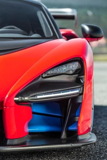 Standesgemäße LED-Beleuchtung über aerodynamisch wirkungsvollen Karosserieteilen. © McLaren