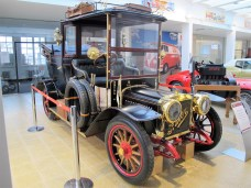 Eines der ältesten Exponate ist das Adler Landaulett Baujahr 1907