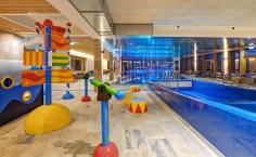 Die Badelandschaft im Hotel Dachsteinkönig. Foto: Leading Family Hotel & Resort Dachsteinkönig