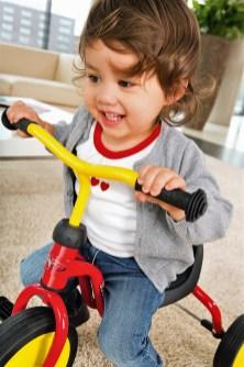 Früh übt es sich ganz gut auf einem Dreirad: Kind mit Puky Fitsch. Foto: Auto-Medienportal.Net/Puky