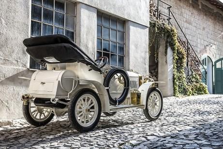 Nach der umfassenden Überholung von Fahrwerk, Motor, Getriebe und weiteren Baugruppen sowie dem Einbau einer neuen Elektrik erhielt der Laurin & Klement BSC eine Karosserie, die exakt nach den historischen Quellen gefertigt wurde. Foto: Auto-Medienportal.Net/Skoda