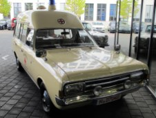 Krankenwagen auf Basis Opel Rekord Caravan 1900, Baujahr 1970