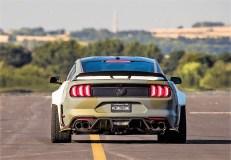 Radhaus-Verbreiterungen prägen das Heck des E S Mustang GT
