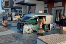Der vollautomatisierte EZ-PRO tritt dem Fahrermangel entgegen, verändert aber auch das Berufsbild des klassischen Kurierfahrers und Paketzustellers. © Renault