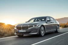 Die Niere wuchs im Rahmen des Facelifts für den 7er BMW deutlich. © BMW