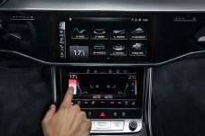 """""""Mit einem Wisch ist alles weg!"""" hieß es früher in der Werbung. Bei Audi ist mit einem Wisch alles so, wie es sein soll. © Audi"""