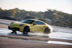 """Der Porsche 911 verfügt serienmäßig als Weltneuheit über einen """"Wet Mode"""". Foto: Auto-Medienportal.Net/Porsche"""