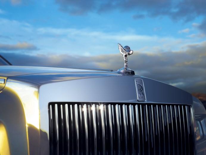 Die britische Nobelmarke Rolls-Royce fuhr im vergangenen Jahr ein Rekordergebnis ein und verkaufte mit weltweit 4107 Karossen so viele Luxusmobile wie noch nie in der 115-jährigen Geschichte der Marke. Foto: Auto-Medienportal.Net/Rolls-Royce