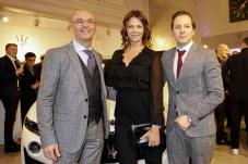 Der Boss und die Promis: Piergiorgio Cecco, Chef von Maserati Deutschland (links), mit Jessica Schwarz und Trystan Pütter. © Maserati