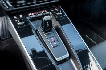 Joystick: der kleine Wahlhebel des Doppelkupplungs-Getriebes. © Porsche