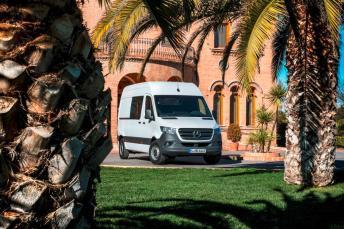 """2019 wird der neue Sprinter für den Camper-Einsatz sogar nochmals attraktiver: dank neu entwickeltem Schnittstellenmodul """"Mercedes-Benz Advanced Control"""" (MBAC) werden Reisemobile auf neuer Sprinter-Basis demnächst zum vernetzten Zuhause auf Rädern. © Mercedes-Benz"""