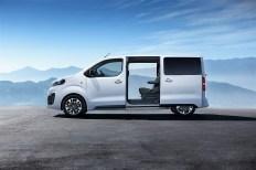Schiebetüren auf beiden Seiten erleichtern den Einstieg erleichtern. © Opel