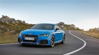 Der TT RS kommt mit vollkommen neu gezeichneter Front und markantem Heckabschluss im Frühjahr als Coupé und Roadster in den Handel. Foto: Auto-Medienportal.Net/Audi